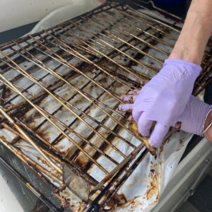 cleaning oven rack